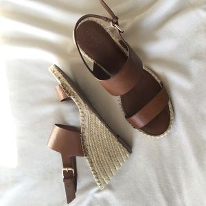 Vince Camuto Wedge Sandals Size 10